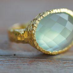 Aqua Chalcedony 18K Gold Ring