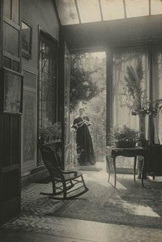 """Marcel Vanderkindere - """"Le salon d'été"""" - C. 1895, Belgium, platinum print"""