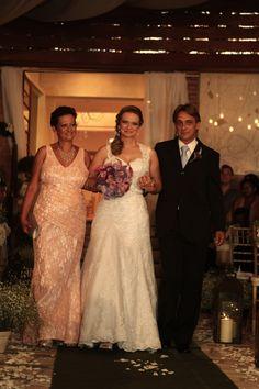 Emilly Oliva Kraciunas  #vestidosdenoiva #casamento #wedding #bride #noiva #weddingdress #weddingdresses #bridal