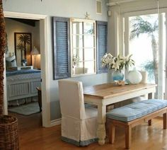 ✯The mirror behind the table it is beautiful and would love a feature piece like this in my kitchen.
