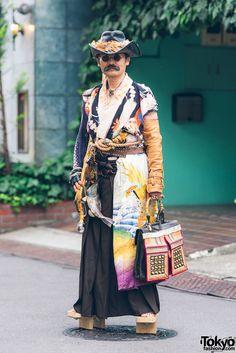 Japanese Steampunk Street Fashion w/ Embroidered Kimono, Geta Sandals & Handmade Items Tokyo Fashion, Japanese Street Fashion, Harajuku Fashion, Kimono Fashion, Asian Fashion, Korea Fashion, India Fashion, Steampunk Clothing, Steampunk Fashion