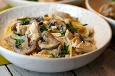 Poulet aux champignons Weight watchers, une recette simple et facile à réaliser pour un déjeuner ou un repas de soir pour 4 personnes.