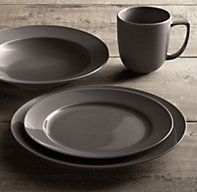 Chinese Porcelain Grand Rimmed 16-Piece Dinnerware Set with Grand Rimmed Soup Bowl
