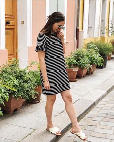 Stripes x mules // Chic and Clothes