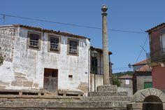Pelourinho de Linhares by JP Nascimento, via Flickr