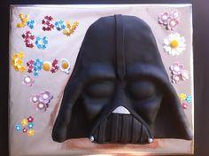 Tarta personalizada con el personaje de Darth Vader de la saga de Star Wars elaborada por TheCakeProject en Madrid
