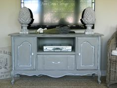 Fern Creek Cottage: French Buffet turned TV Stand