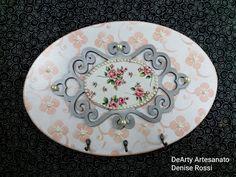 Decoupage, Stencils, Decorative Plates, Tableware, Facebook, Home Decor, General Crafts, Key Fobs, Embellishments