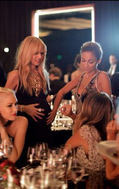 Gwen Stefani, Rachel Zoe, Jennifer Meyer, and Nicole Richie enjoyed some girl talk at the Annenberg Gala. Nicole Richie, Rachel Zoe, Moms' Night Out, Estilo Fashion, Fashion 2014, Rosie Huntington Whiteley, Maternity Fashion, Maternity Style, Celebrity Maternity