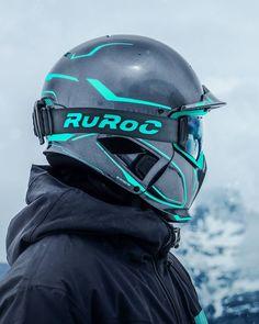 Turquoise et gris métallisé. Le Chaos Void. #SoyezPrêts . . . . #Ruroc #RurocArmy #Rheon #Recco #Ski #Snowboard #Casque #Intégral #Poudreuse #Freeride #Ride #Neige #Hiver #Montagne #Montagnes Cool Bike Helmets, Ski Helmets, Motorcycle Helmets, Bicycle Helmet, Snowboard Equipment, Snow Gear, Snowboarding Gear, Ski Goggles, Helmet Design