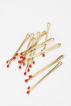 Little matches Urban Outfitters bobby pins / Gold Kirkby Grips / Matchsticks Hair clips / Accessories Bijou Brigitte, Caitlin Moran, Jewelry Accessories, Fashion Accessories, Mode Inspiration, Mode Style, Steam Punk, Kitsch, Hair And Nails