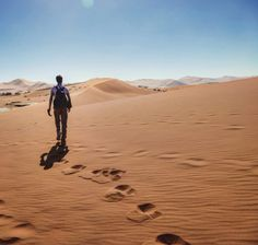A day of climbing dunes, riding jeeps and watching the stars in Namibia, Africa. Read about it on my travel blog!