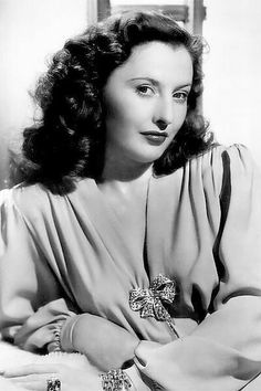 Barbara Stanwyck Old Hollywood Stars, Hooray For Hollywood, Old Hollywood Glamour, Vintage Hollywood, Classic Hollywood, Vintage Vogue, Fashion Vintage, Barbara Stanwyck, Classic Actresses
