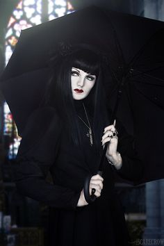 Doesn't get any blacker than this mourning #Goth girl