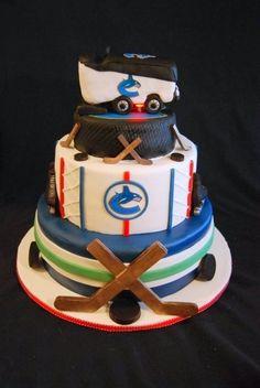 Vanilla cake with vanilla frosting and raspberry preserves. Hockey Birthday Cake, Hockey Party, Birthday Fun, Ice Hockey, Golf Party, Hockey Mom, 11th Birthday, Birthday Cakes, Cakes To Make