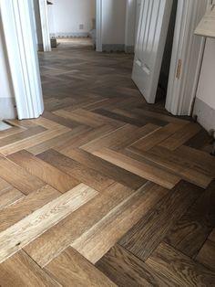 Smoked oak herringbone flooring Hallway Flooring, Wooden Flooring, Hardwood Floors, Room Ideas, Decor Ideas, Stone Walls, Open Plan Living, Flooring Ideas, Home Interior Design