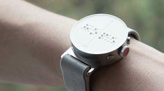 Apple Watchに匹敵する、ウェアラブルデバイスの大発明かもしれません。目の不自由な人に向けたスマートウォッチが、ついに実用化。盤面に空いた穴から飛び出るドットが点字となり、時刻やメッセージを伝えてくれるようですよ。このスマートウォッチ「Dot Watch」の開発者Eric Ju Yoon Kimさんには、ある確信めいた想いがあったそうです。ウェアラブルデバイスの有用性は、障害を持つ人...