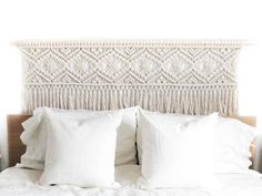 Most recent Cost-Free Macrame headboard Ideas If you have found out our new macramé collection and you are hooked about this incredible build, yo Diy Headboards, Headboard Ideas, Macrame Art, Macrame Projects, Macrame Knots, Above Bed, Macrame Plant Hangers, Bed Pillows, Bedroom Decor