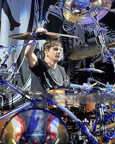Back again to take you through the gallery where we see this kick ass and colourful one from Fans of Ray Luzier and Getty Images, photo copyr. Steve Jennings!  ~Jonetta~ @rayluzierkorn #KoRn #rayluzierkorn #RayDayTuesday