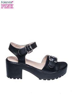 Czarne sandały z klamrami na grubej traktorowej podeszwie