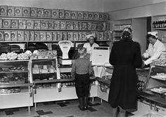 Elannon Leipä-Aitta Runeberginkatu 28.   Tuntematon 1950   Helsingin kaupunginmuseo   negatiivi, lasi, mv