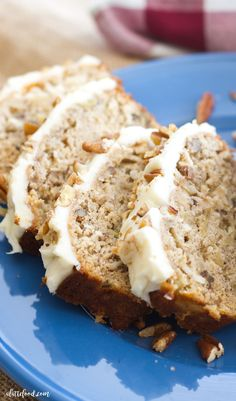 Hummingbird Bread With Cream Cheese Frosting -- This easy hummingbird bread recipe is full of the flavors of the classic southern cake! This simple quick bread recipe is filled with sweet flavor, and is topped with the best cream cheese frosting! Quick Bread Recipes, Banana Bread Recipes, Cake Recipes, Dessert Recipes, Recipe For Banana Bread With Cream Cheese, Bread Machine Banana Bread, Dessert Salads, Soda Bread, Coffee Recipes