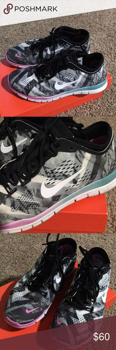 Nike free 6.5 Rare design! Great condition- Worn maybe twice, ombré detail Nike Shoes Sneakers
