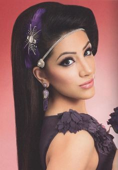 We love how our hair jewellery, P679 is worn here, tucked along the hair line, in Asiana's latest Issue.