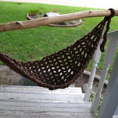 Photo Prop Crocheted Newborn BabyHammock..@ Trish Walden! :) I Think i can make one of these withsome major chunky yarn!