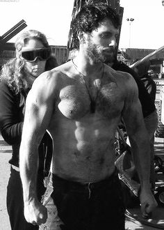 Behind the scenes of Man of Steel. He could of worked out a bit more before this take. Hello! :}