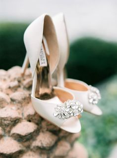 Classic white Badgley Mischka wedding shoes: http://www.stylemepretty.com/2016/02/01/al-fresco-lake-como-wedding/ | Photography: The Cab Look Foto Lab - http://www.thecablookfotolab.com/