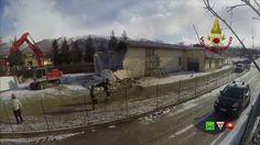 Sisma centro Italia - I soccorsi dei Vigili del Fuoco - 06/01 Norcia - w...