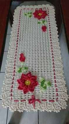How to make a magic ring in crochet Crochet Quilt, Crochet Squares, Crochet Stitches, Free Crochet, Crochet Patterns, Crochet Table Runner Pattern, Crochet Tablecloth, Crochet Doilies, Crochet Flowers
