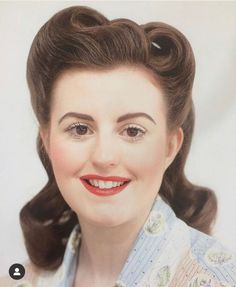 50s hairstyles Ideas For 50 Year Old Woman - Axthon Daily Notes 50s Hairstyles Women, Over 60 Hairstyles, Square Face Hairstyles, Prom Hairstyles For Long Hair, Curled Hairstyles, Vintage Hairstyles, Rockabilly Makeup, 50s Makeup, Crazy Makeup