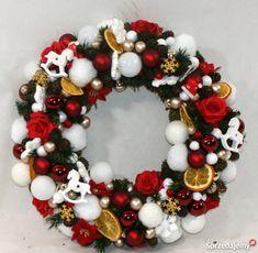 Wianek świąteczny,wianek na drzwi Ornament Wreath, Ornaments, Christmas Wreaths, Holiday Decor, Home Decor, Decoration Home, Room Decor, Christmas Decorations, Home Interior Design