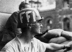 Libération de Paris 1944 Andre Kertesz, Le Chant Des Partisans, French Resistance, Joseph Goebbels, Freedom Fighters, World War One, History Photos, D Day, North Africa