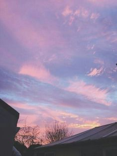 Aesthetic themes - she's my sunshine in the rain [ sunset ] - Wattpad Sky Aesthetic, Aesthetic Themes, Purple Aesthetic, Pretty Sky, Beautiful Sunset, Ft Tumblr, Lilac Sky, Pink Purple, Cotton Candy Sky