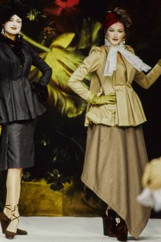 Vivienne Westwood Fall 1995 Ready-to-Wear Collection Photos - Vogue