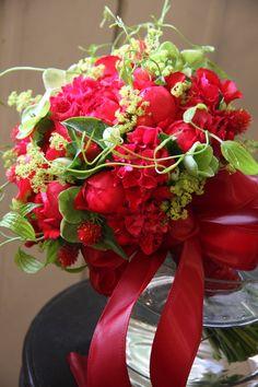 Red bridal bouquet - fleurs trémolo