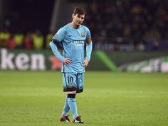 Lionel Messi sonríe durante el partido del grupo E de la Liga de Campeones disputado ante el Bayer Leverkusen