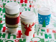 Weihnachtsgeschenke basteln - Tassen mit Filz dekorieren