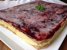 VÍKENDOVÉ PEČENÍ: Žloutkové řezy Torte Recepti, Cake Factory, Czech Recipes, Salty Snacks, Banana Bread, French Toast, Cheesecake, Food And Drink, Sweets