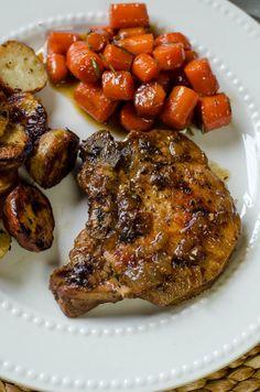 Skillet Braised Pork Chops ~ http://www.fromvalerieskitchen.com