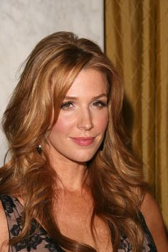 Poppy Montgomery - Actress - born  06/19/1975 South Wales, Australia