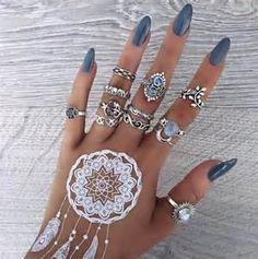 Nail Jewelry, Cute Jewelry, Body Jewelry, Jewlery, Trendy Jewelry, Bohemian Jewelry, Jewelry Shop, Jewellery Bracelets, Boho Jewellery