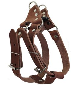 Made of 3/4 wide genuine leather. Strong and comfortable. Great choice for daily walks and training. This size is recommended for Medium breeds, sized to fit 22.5-26 inches chest circumference. Made of genuine leather 3/4 wide fully Adjustable from 22.5 to 26 across the chest