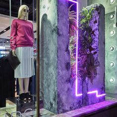 """TOPSHOP, London, UK, """"Fashion Trends cuts through a rock not because of its power but its persistence"""", creative by Harlequin London, pinned by Ton van der Veer"""