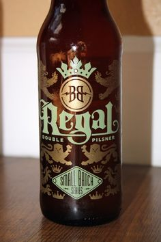 Regal Pilsner from Breckenridge Brewery - Colorado (I'm a sucker for a pretty/well design beer label/bottle!)