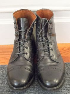 Allen Edmonds Bayfield boots in Black with rubber soles. Size 10d #AllenEdmonds #Military