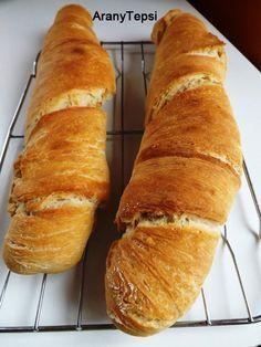 AranyTepsi: Svájci gyökérkenyér  ! Bread Recipes, Cookie Recipes, Torte Cake, Breakfast Toast, Hungarian Recipes, Health Eating, How To Make Bread, Kenya, Bakery